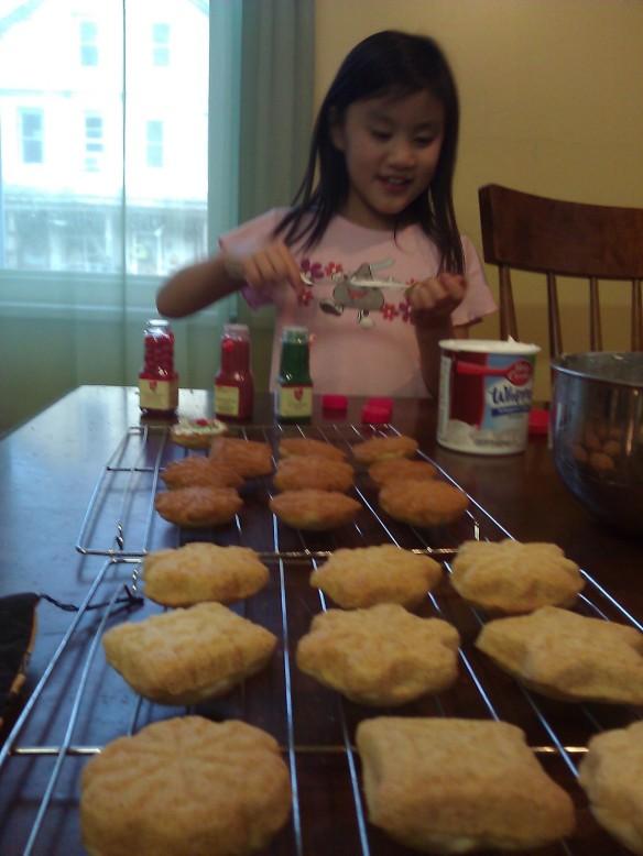 Jenna decorting cookies